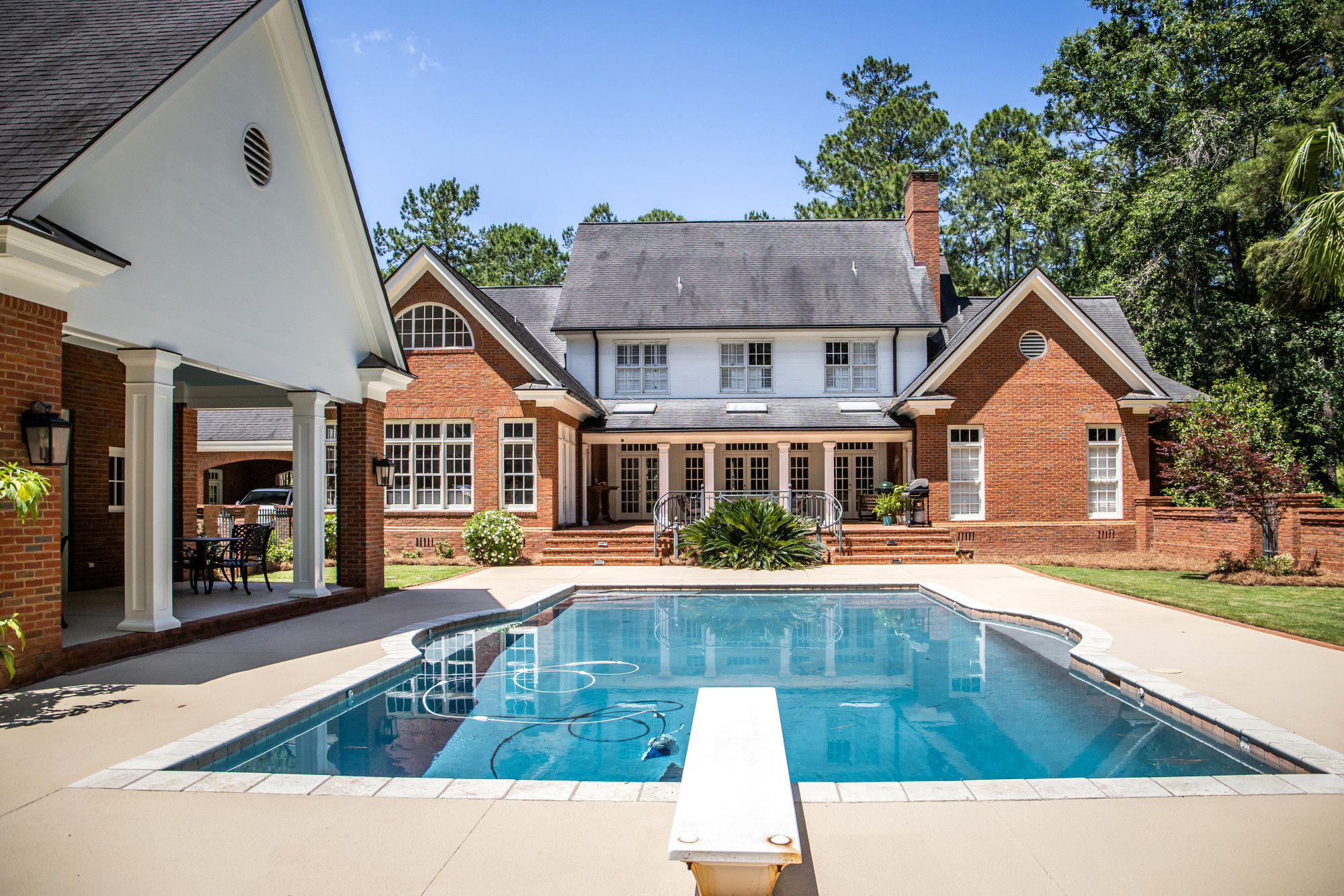 Boosting Your Backyard: The Top Benefits of Installing a Backyard Pool